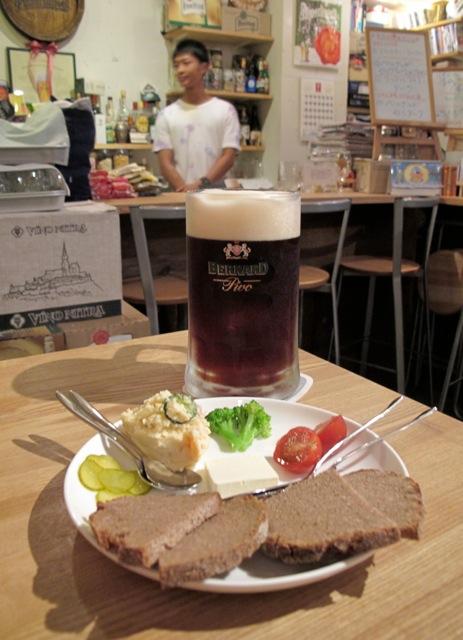 Pivoya kuropan © Tokyo Food File