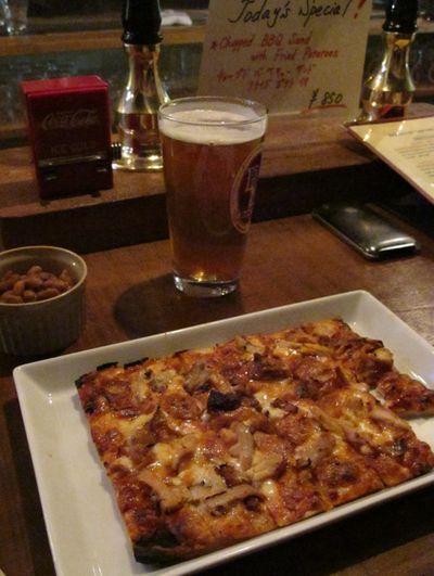 bashamichi pizza © Tokyo Food File
