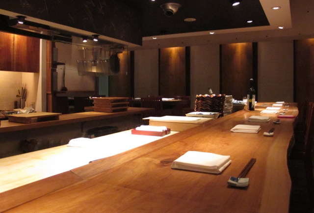 Shokkan counter © Tokyo Food File