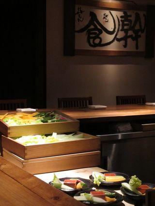 Shokkan coiunter2 © Tokyo Food File