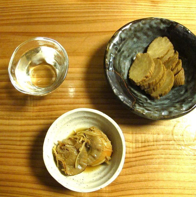 iburigakko & sake (C) Tokyo Food FIle)
