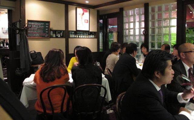 lesvinum interior2 (c) Tokyo Food File