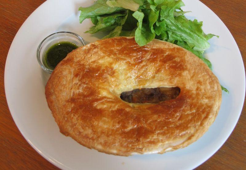 m.howell pie1 (c) Tokyo Food File