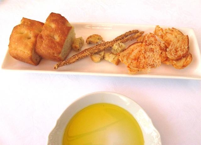 13 aprile focaccia © Tokyo Food File