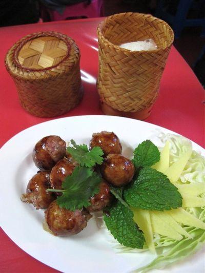 Montee sai krok 2 © Tokyo Food File