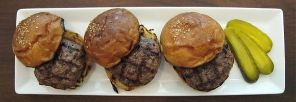 Martiniburger sliders 1 ©Tokyo Food File.jpg