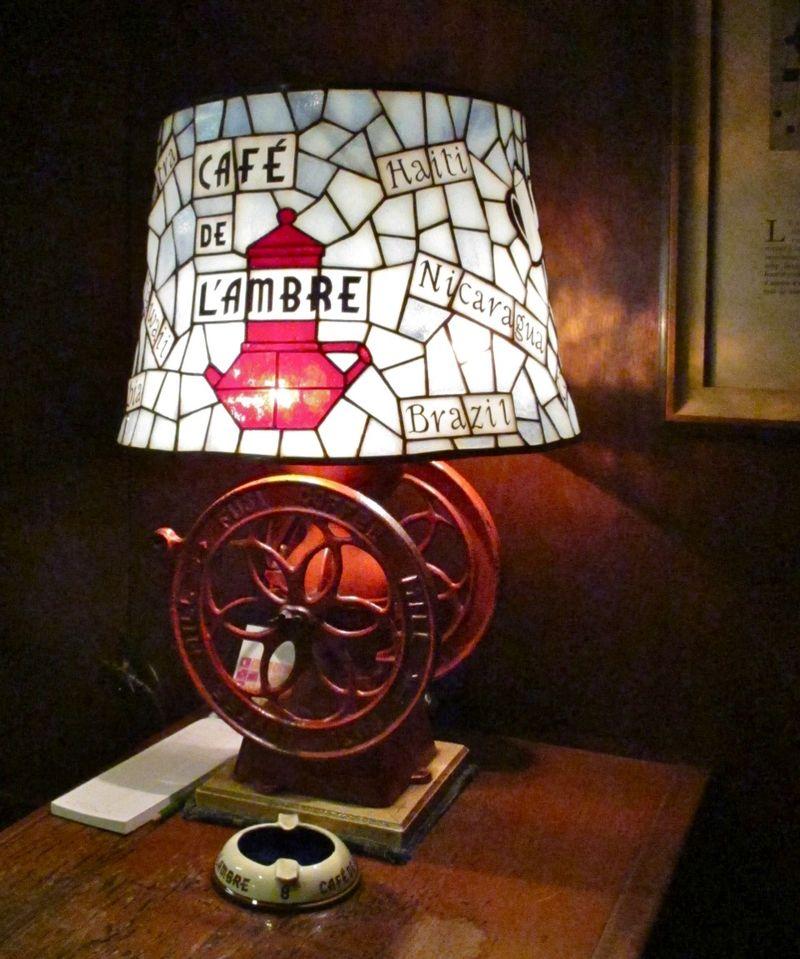 l'ambre lampshade © Tokyo Food File