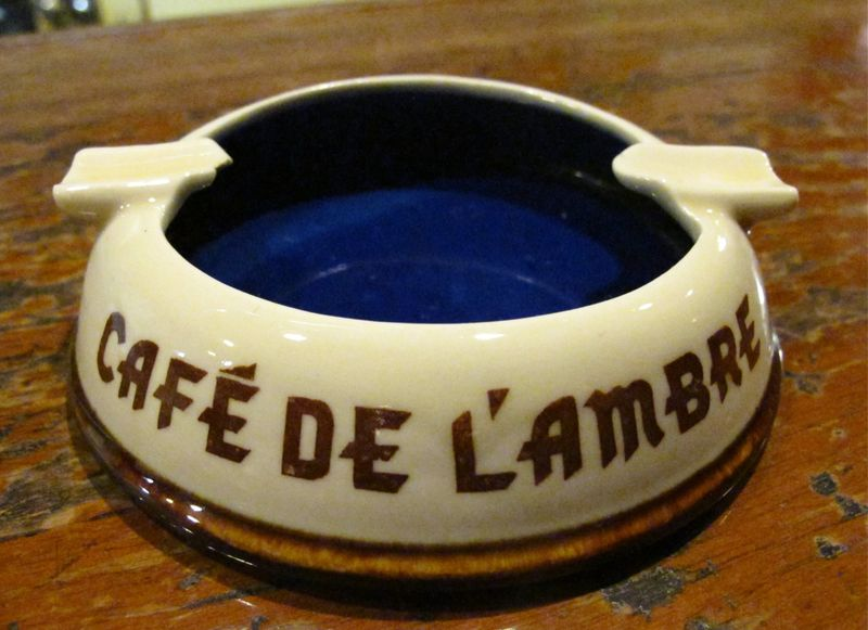 l'ambre ashtray © Tokyo Food File