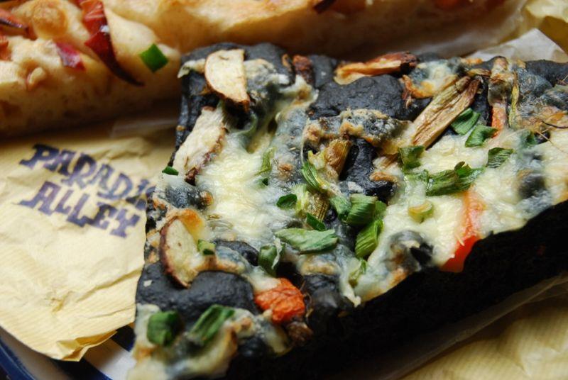 takesumi pizza2 © Tokyo Food File
