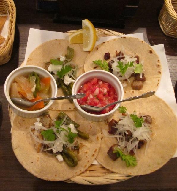 abrazo tacos © Tokyo Food File