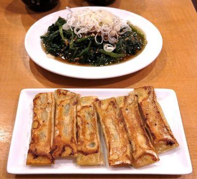 Marusen gyoza+aona © Tokyo Food File.jpg