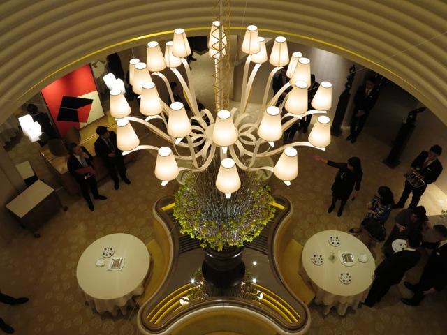 L'Osier chandelier 1 ©Tokyo Food File