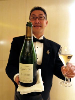 L'Osier bubbly2 © Tokyo Food File
