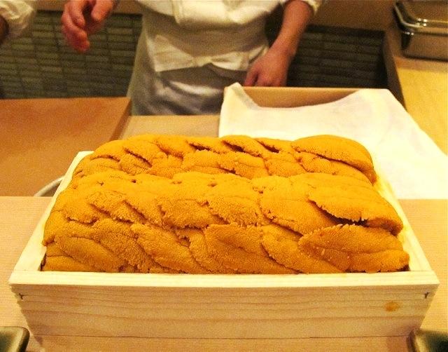 Uni @ Jiro 六本木 © Tokyo Food File
