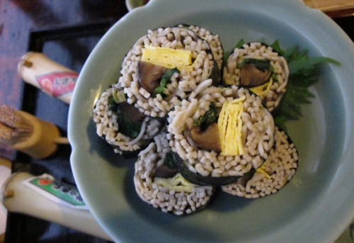 Owariya sobazushi © Tokyo Food File
