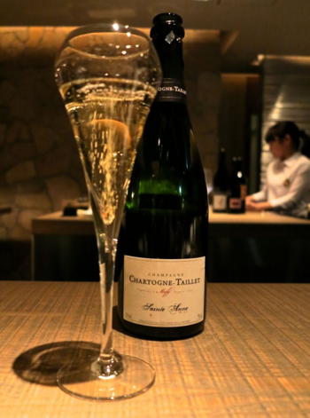 Cork bubbly © Tokyo Food File