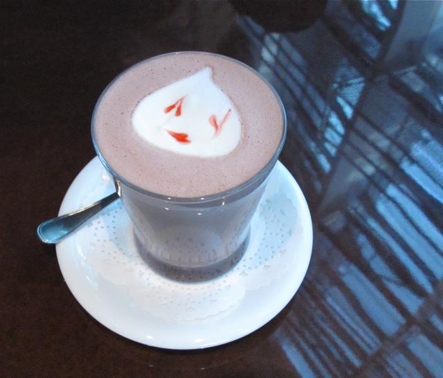vogue cafe latte © Tokyo Food File