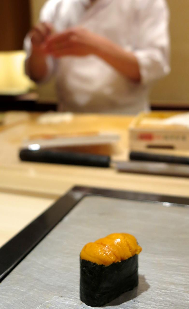 Chef Hisayoshi Iwa uni © Tokyo Food File