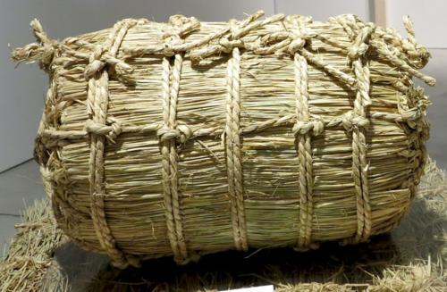 Kome straw rice bale © Tokyo Food File