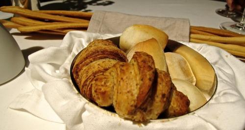 francescana breads © Tokyo Food File