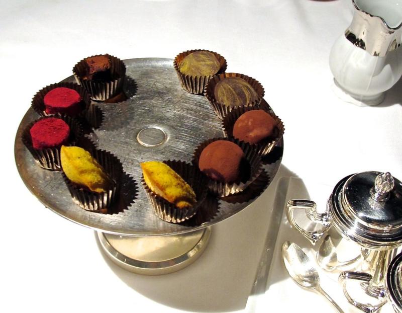 francescana mignardises © Tokyo Food File