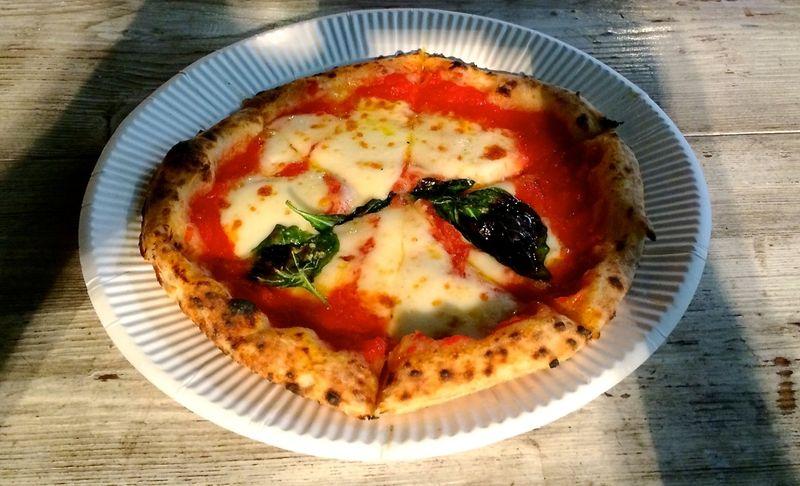 Bakka marinara pizza © Tokyo Food File