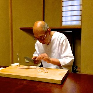 Nabeya Chef Fukuda sashimi © Tokyo Food File