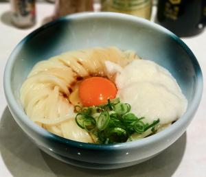 Men Chirashi Kamatama-yama udon © Tokyo Food File